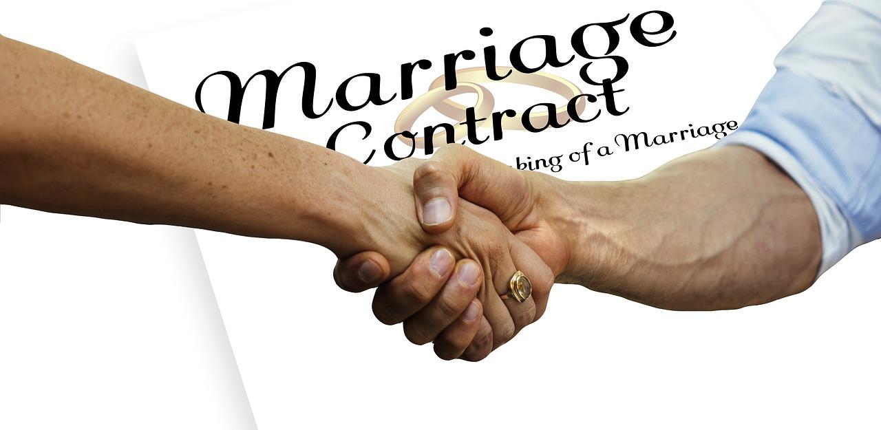 Couple, les intérêts de signer un contrat de mariage